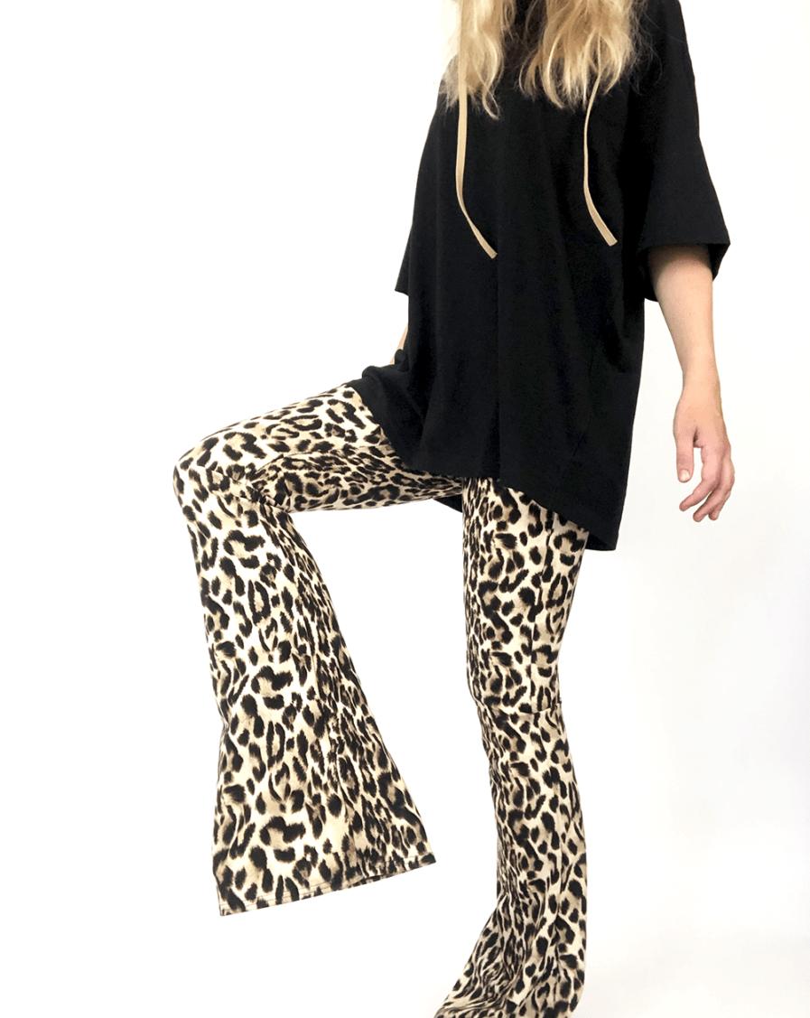 Flared pants - leopard print - voorkant
