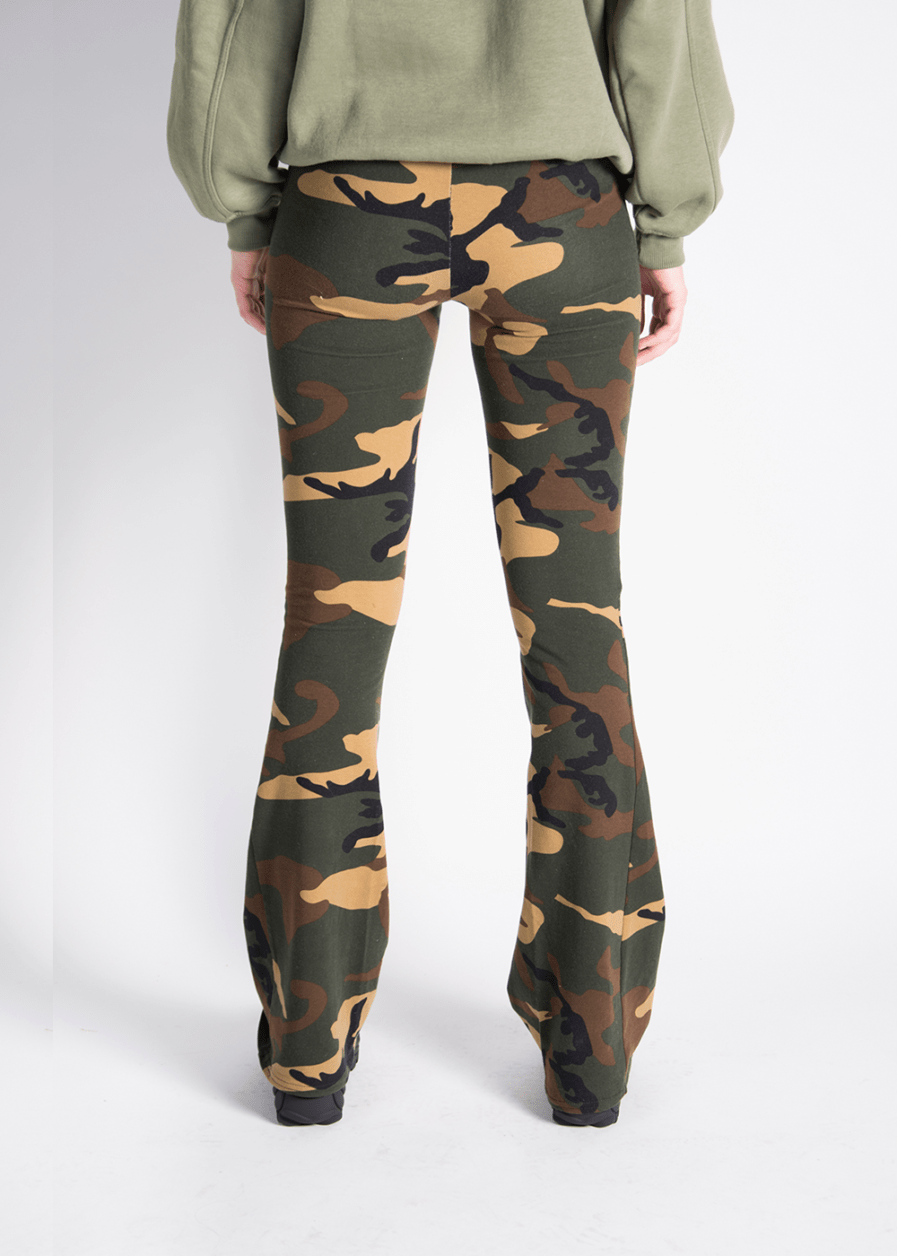 Soft flared pants - camouflage print - achterkant