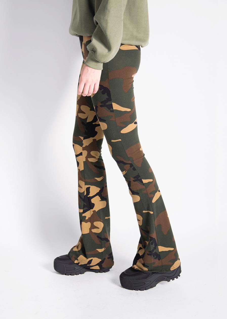 Soft flared pants - camouflage print - zijkant