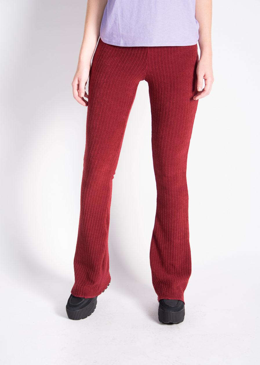 Ribbed flared pants – red – front