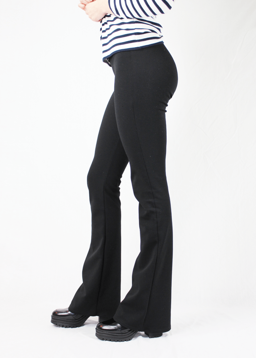 Flared pants zwart black zijkant