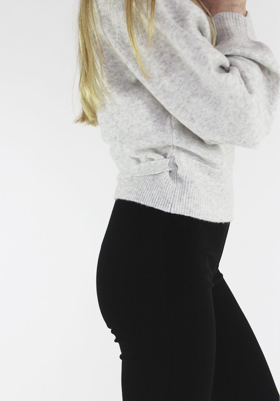 Flared pants zwart black - close up