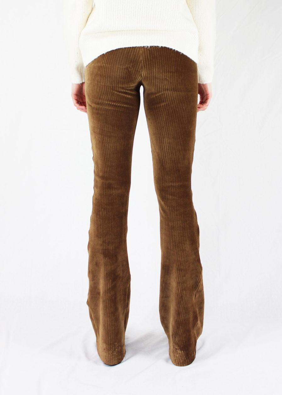 Corduroy flared pants bruin brown – achterkant