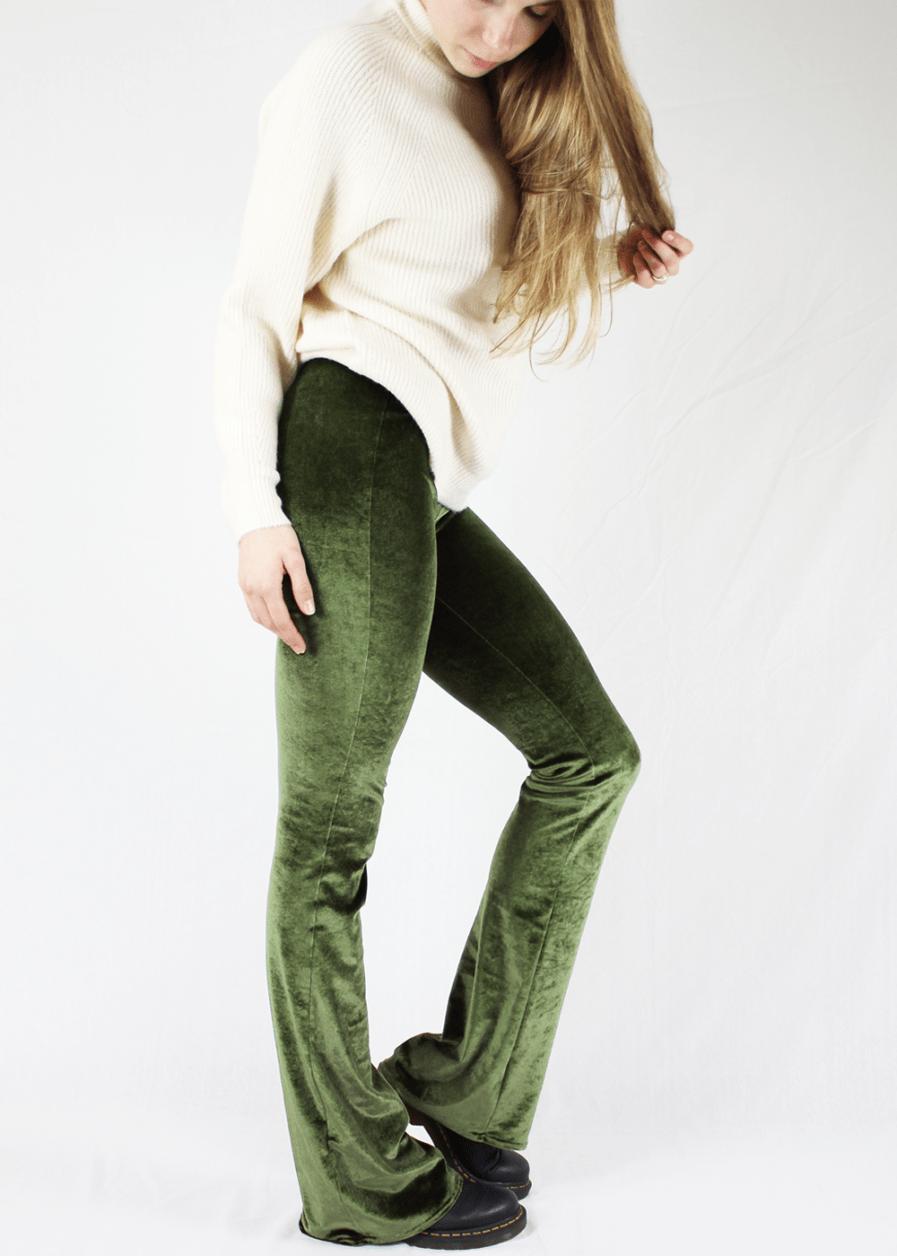 Velvet flared pants groen green – sfeer