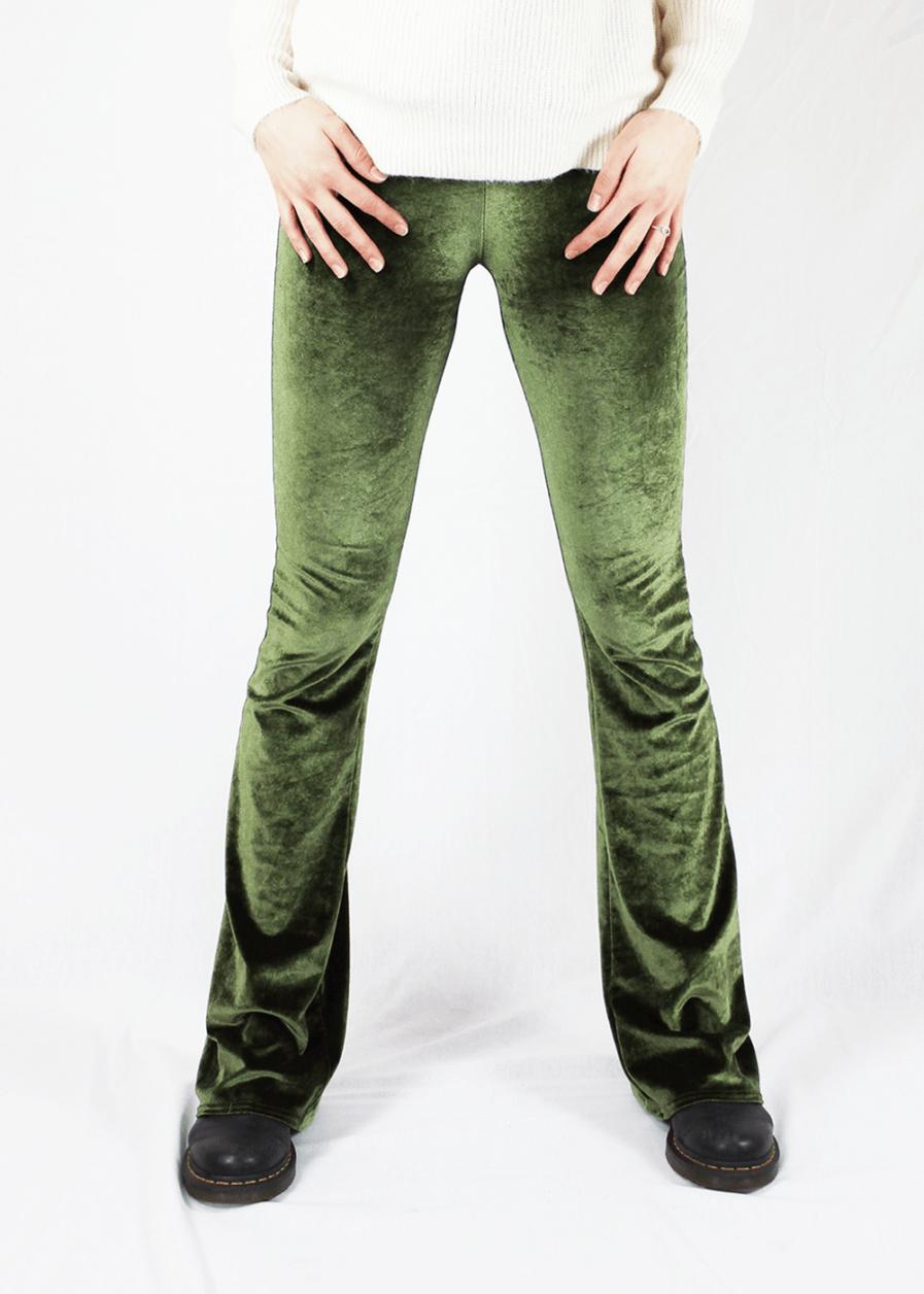 Velvet flared pants groen green – voorkant