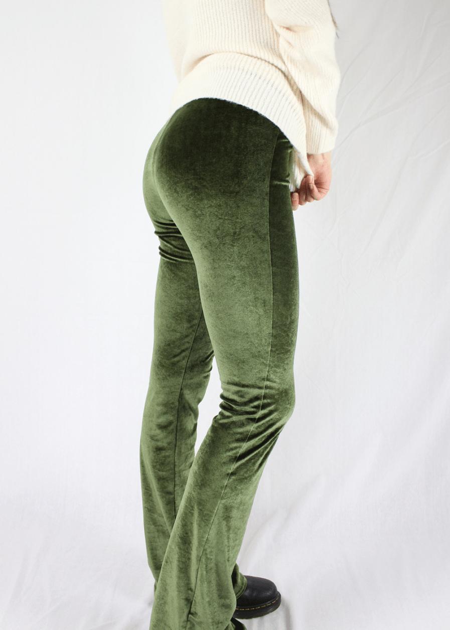 Velvet flared pants groen green – zijkant