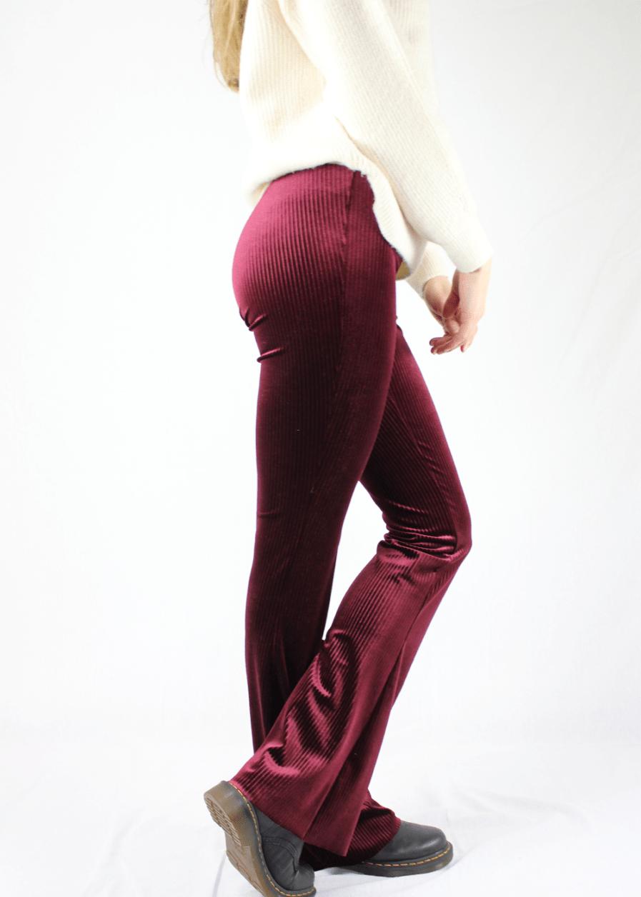 Velvet flared pants red rood gestreept sfeer