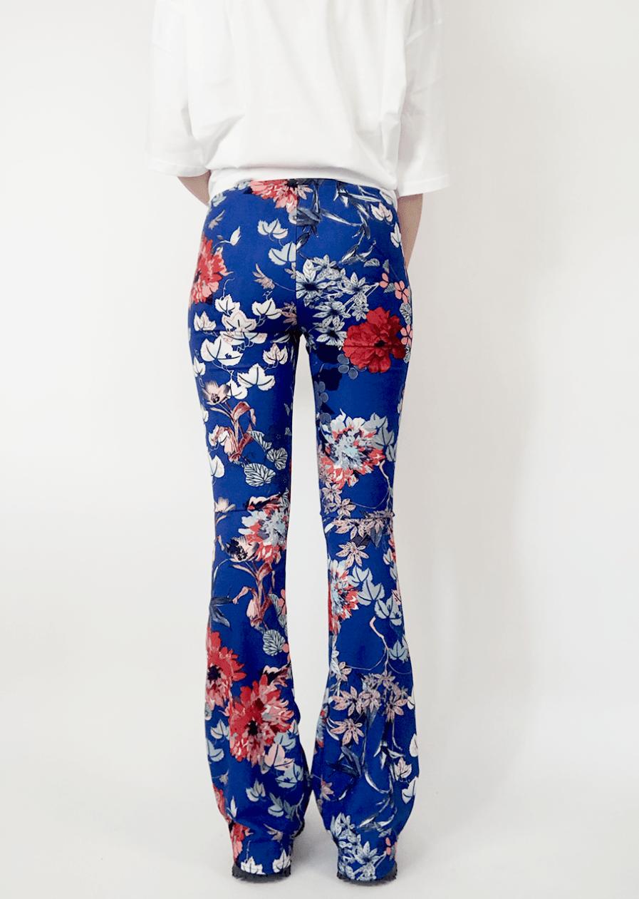 Flared pants met bloemen - blauw - achterkant 2