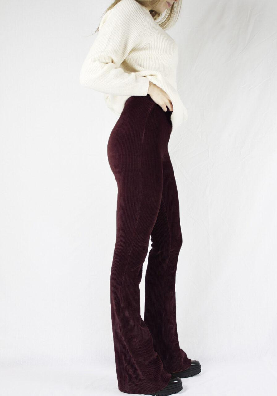 Ribbed flared pants - bordeaux rood - zijkant