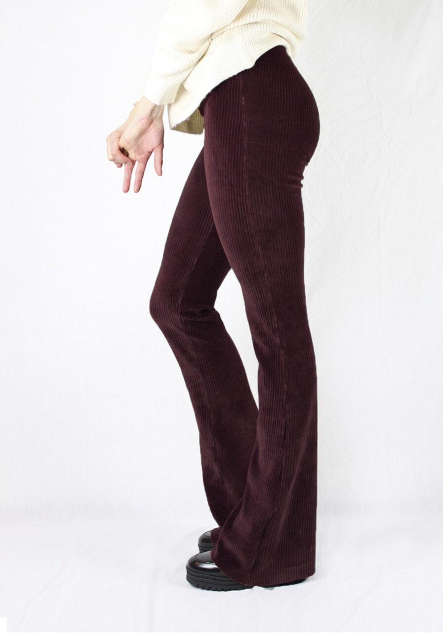 Ribbed flared pants - bordeaux rood - zijkant 2