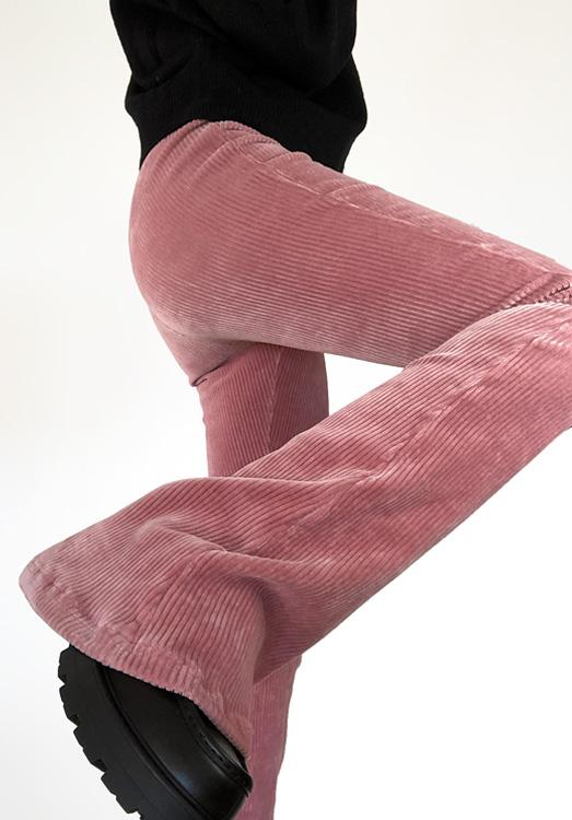 Ribbed flared pants roze - close up