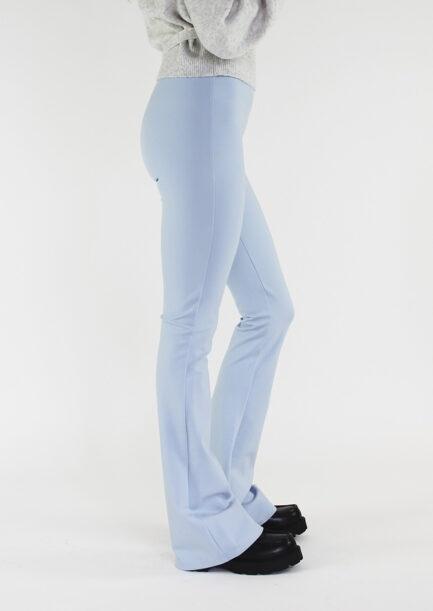 Flared pants lichtblauw - zijkant