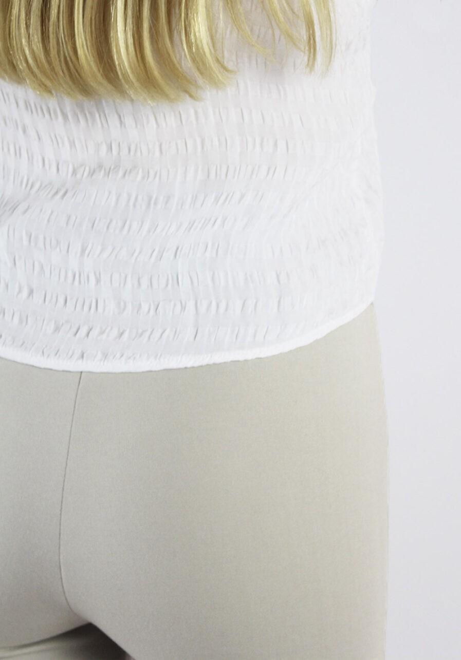 Flared pants beige - close up
