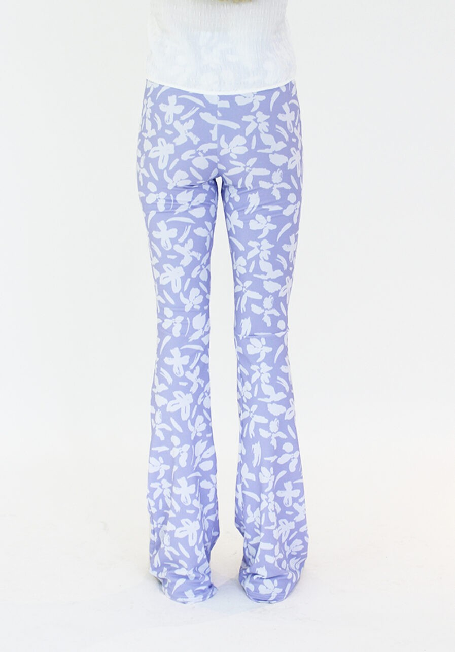Flared pants lila met bloemen print - achterkant
